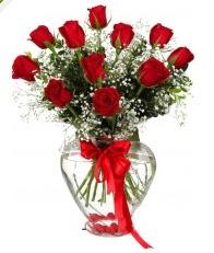 9 adet kırmızı gül cam kalpte  İstanbul Ümraniye online çiçekçi , çiçek siparişi