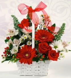 Karışık rengarenk mevsim çiçek sepeti  İstanbul Ümraniye internetten çiçek siparişi