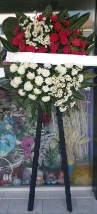 Cenaze çiçeği cenaze çiçek modelleri  İstanbul Ümraniye çiçek siparişi sitesi