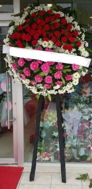 Cenaze çiçek modeli  İstanbul Ümraniye internetten çiçek siparişi