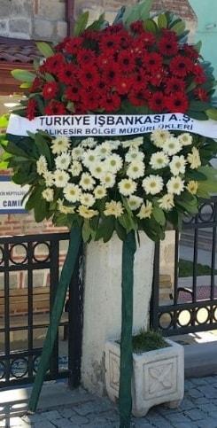 Cenaze çiçek modeli  İstanbul Ümraniye hediye sevgilime hediye çiçek