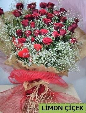 Kız isteme çiçeği buketi 33 kırmızı gülden  İstanbul Ümraniye internetten çiçek satışı