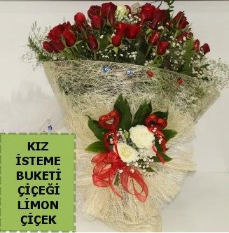 27 adet kırmızı gülden kız isteme buketi  İstanbul Ümraniye çiçek satışı