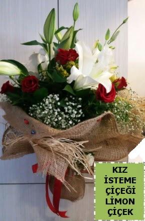 3 dal kazablanka 13 adet kırmızı gül  İstanbul Ümraniye çiçek gönderme sitemiz güvenlidir