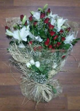 Kız isteme çiçekleri  İstanbul Ümraniye çiçekçi telefonları  Kız söz nişan çiçeği
