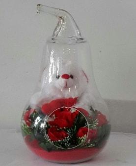 Orta boy cam armut Ayıcık ve yapay güller  İstanbul Ümraniye çiçekçi telefonları