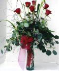İstanbul Ümraniye çiçek siparişi sitesi  7 adet gül özel bir tanzim