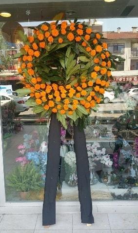 Cenaze çiçeği cenaze çelengi çiçek modeli  İstanbul Ümraniye çiçek gönderme