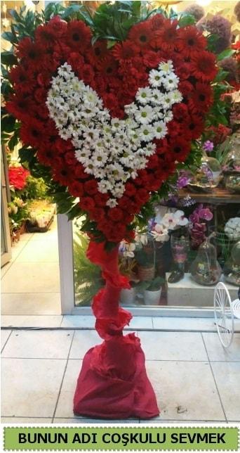 Coşkulu bir aşk çiçeği  İstanbul Ümraniye ucuz çiçek gönder