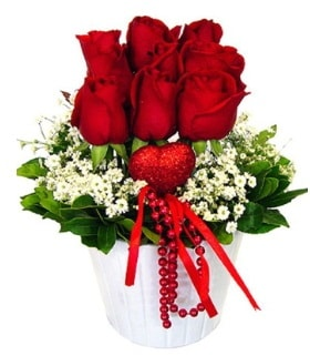 9 kırmızı gül seramik ve kalp çubuk  İstanbul Ümraniye çiçek gönderme