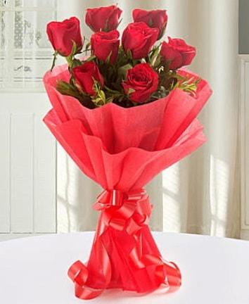 9 adet kırmızı gülden modern buket  İstanbul Ümraniye İnternetten çiçek siparişi