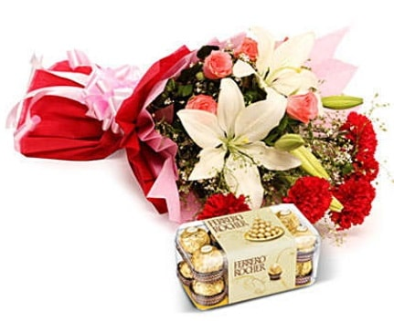Karışık buket ve kutu çikolata  İstanbul Ümraniye çiçek , çiçekçi , çiçekçilik