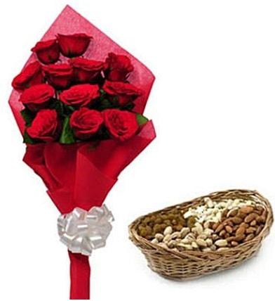 11 adet kırmızı gül ve sepette kuruyemiş  İstanbul Ümraniye internetten çiçek satışı