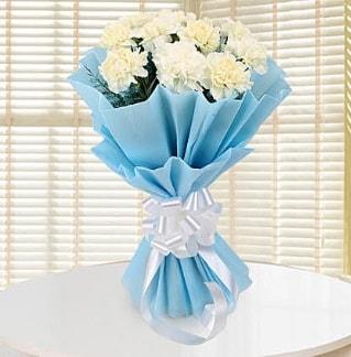 19 adet beyaz karanfil buketi  İstanbul Ümraniye çiçek satışı