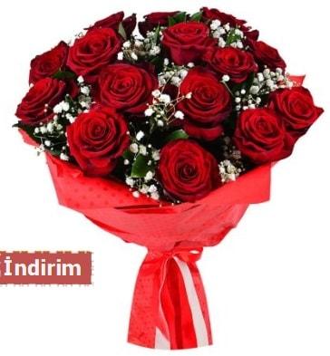 12 Adet kırmızı aşk gülleri  İstanbul Ümraniye çiçek satışı