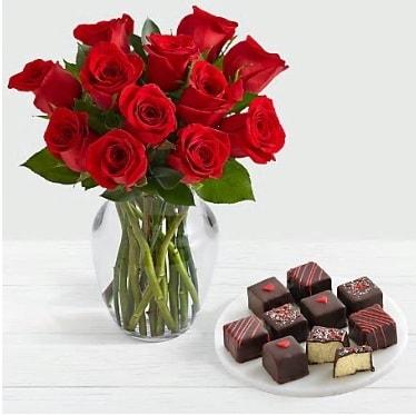 Cam vazoda 12 kırmızı gül el yapımı çikolata  İstanbul Ümraniye çiçek gönderme sitemiz güvenlidir