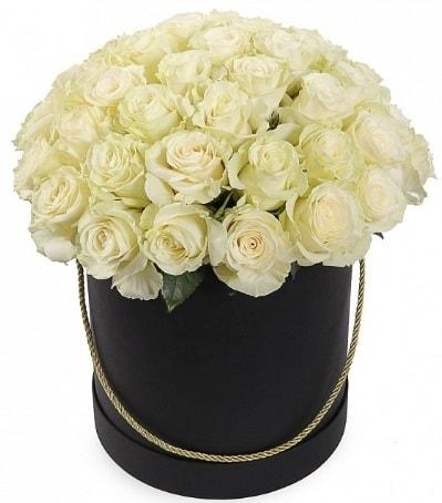 33 Adet beyaz gül özel kutu içerisinde  İstanbul Ümraniye internetten çiçek satışı